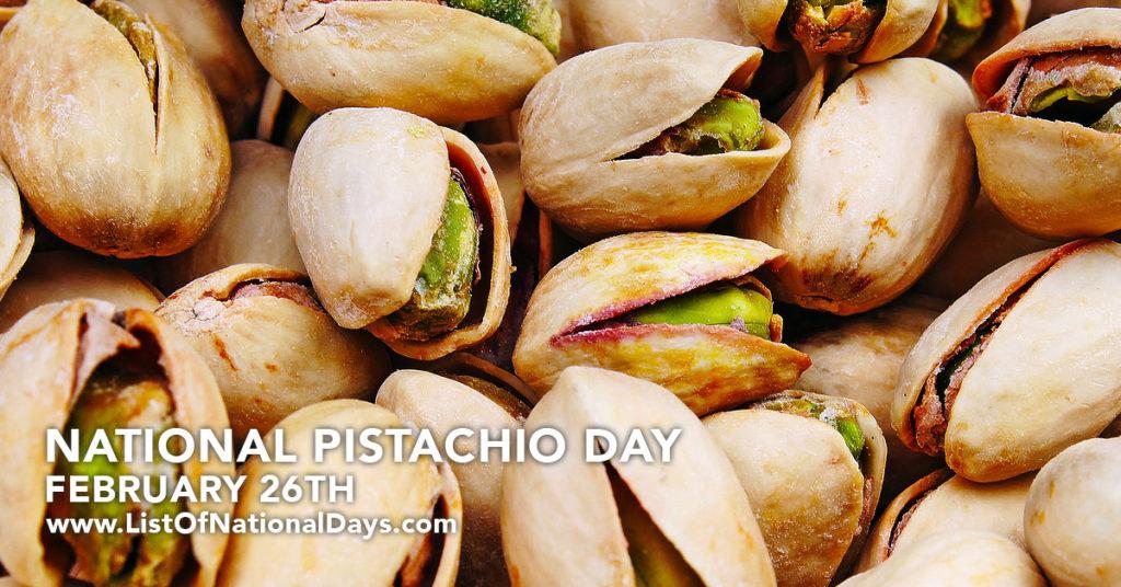 A pile of pistachio nuts
