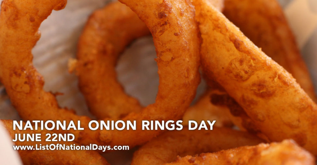 A close up of fried onion rings.
